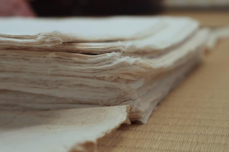 柔軟でありながら伸縮性のないことが特徴の美栖紙。